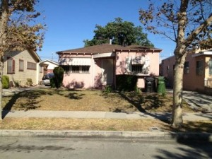 3 bed 1 bath house in LA, CA